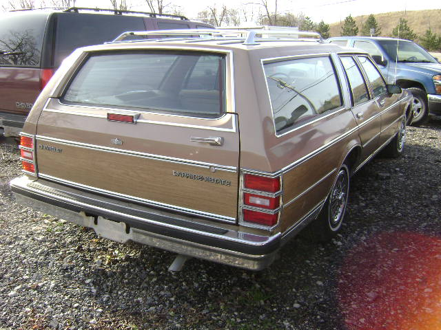 246 1988 Chevy Caprice Wagon Tan Vin1920